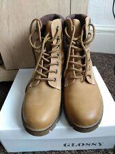 Ladies Boots Size 6 lace up beige