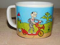 """VINTAGE 2 1/2"""" HIGH 1988 PEE WEE HERMAN PLASTIC MUG CUP MINOR WEAR"""