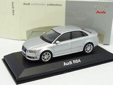 Minichamps 1/43 - Audi RS4 Silver