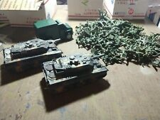 TV019 lot of tanks abrams truck and us green plastic soldiers