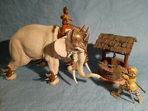 Schleich 70063 großer Kriegselefant / Kampfelefant / 2 Figuren / Brunnen