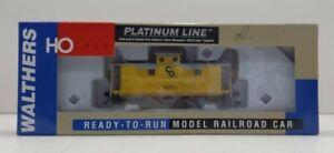 Walthers 932-7529 HO Scale Chesapeake and Ohio 25' Wood Caboose #90721 LN/Box