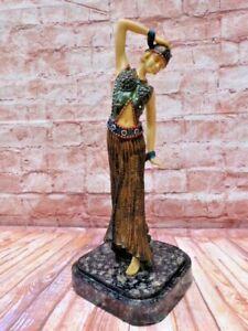 LARGE VINTAGE RESIN ART DECO STYLE FIGURINE STATUETTE OF WOMAN(C)