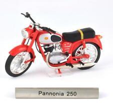 Pannonia 250 Escala 1:24 Moto Modelo de Atlas