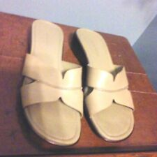 Easy Spirit Women's Brown Tan Sandals Gently Used Size 9 M Slides Slip On