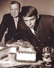 Ken Stabler Unsigned Alabama Crimson Tide B&W 8x10 Photo - Blowing Out Candles