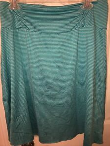 tranquility ladies large skirt turquoise/green athletic(?) skirt guc