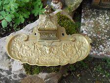 Ancien encrier de bureau en bronze laiton décor tète de faune , riche décor