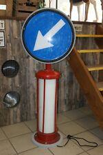 Beleuchtetes Verkehrszeichen