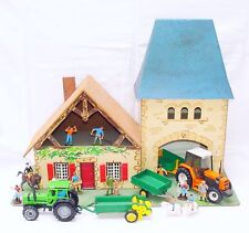 Starlux + Britains 1:32 FARM HOUSE BARN + 2x DEUTZ TRACTOR + FIGURES Playset `78