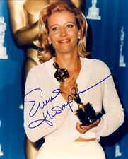 EMMA THOMPSON AUTOGRAPHED SIGNED 8X10 CLUTCHING THE OSCAR WITH COA