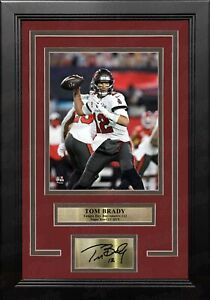 Tom Brady Super Bowl Tampa Bay Buccaneers 8x10 Framed Photo Engraved Autograph