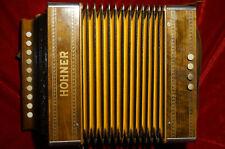 Altes schöne Knopfakkordeon, HOHNER, Holz, C Dur, Made in Germany in OVP