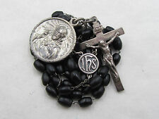 † UNIQUE VINTAGE TINY BLACK MOVING BEADED ROSARY W/ MEDAL & EYCHED SILVER CASE †