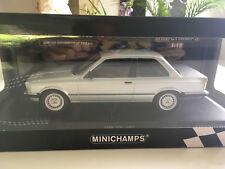 BMW 323i Coupe-1:18-Minichamps