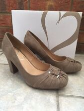 NEW Evans Jenna Ladies Beige Mink Suede Effect Shoes Size 6 EEE Extra Wide Fit