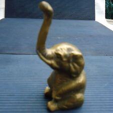 Mignon Eléphant  Assis Bronze Doré Dessous Creux 10 x 6 x 4 Cm - 173 Grs Vitrine