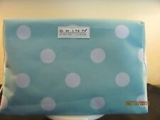 SKINN COSMETICS BLUE W/WHITE DOT COSMETIC BAG WITH ZIP CLOSURE-LINED-NEW