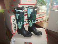 HUNTER WELLINGTONS IN HALIFAX WOMENS  BLACK BOTANICAL PRINT SIZE 5 LADIES