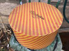 Ancienne boîte  à Chapeaux en carton  CARLOS MÉDINA avec son vieu chapeau PARIS