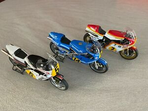 Lot de 3 Suzuki RG500 1/12 ALTAYA