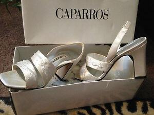 Caparros nBox Cream Satin Beaded Wedding Formal Prom Sandal Shoes Wmns Sz 5 1/2