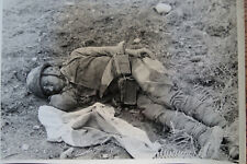 WWII PHOTO - DEAD JAPANESE SOLDIER with FLAG BATTLE of TAPA YUNNAN CHINA 1944