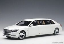 1:18 AutoArt - mercedes maybach s 600 Pullman (White/Dark Gray Interior) 2016