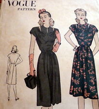 LOVELY VTG 1940s DRESS VOGUE Sewing Pattern 15/33