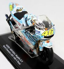 Honda NSR 500CC Mugello GP World Champion 2001 Rider Valentino Rossi 1:22 Scale