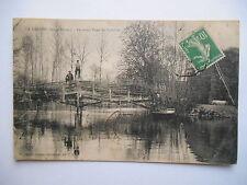 """CPA """"La Crèche - Le vieux pont de Barillot"""""""