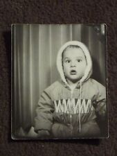 VTG PHOTO BOOTH PHOTO OF TWO YEAR OLD BABY, FATHERS EYE IN UPPER LEFT