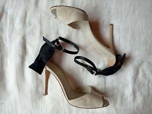 Gianvito Rossi Leather Heels Size 38 (AU/US 7) Suede Pump Beige