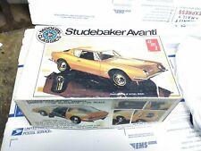 AMT Modern Classics Studebaker Avanti 1/25