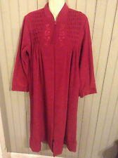 lovely miss elaine vintage robe nightgown small