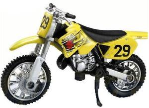 NEW06143C - Moto cross Of Color Yellow - Suzuki RM 125
