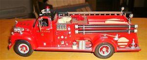 First Gear 1/34 Chicago Fire Department 1960 B Model Mack Fire Engine 87