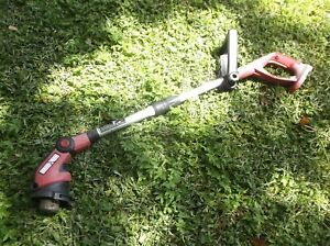 "Craftsman 172.74815112"" weed wacker 18v tool Only No guard sn 1210po"