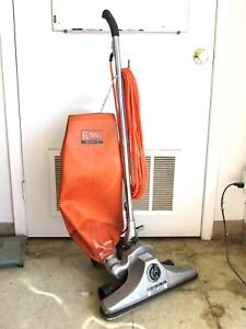 "ROYAL COMMERCIAL 18"" HEAVY DUTY UPRIGHT VACUUM CLEANER, CR5158Z"