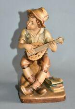 Geschnitzte Holzfigur schön bemalt Junge Zupfinstrument spielend 18,5 cm #E2