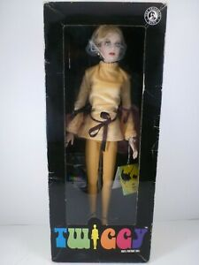 "FAB GROOVY FRANKLIN MINT ""TWIGGY"" 15"" VINYL PORTRAIT DOLL NEW IN BOX WITH TAGS"