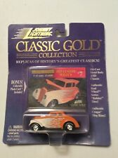 Johnny Lightning 1933 Willys Custom 1: 64 Diecast Classic Gold NEW NIP