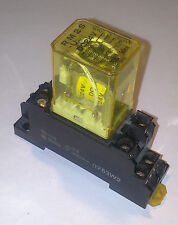 IDEC Plug-In Relay RM2S-U 5A Contact DPDT 24VDC Coil RM2S-UDC24 + ZOCALO 07 ***