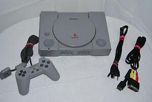 Playstation 1 / Ps1 - Konsole + Original Controller + Alle Kabel + 1 Spiel