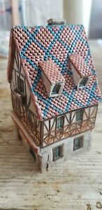 Maison alsacienne en miniature en céramique