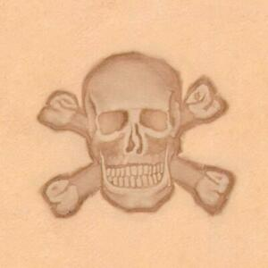 Ivan 3D Leather Stamp - Skull and Crossbones (8547-00)