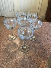 libbey  Long Stems Clear & White Christmas Trees And Gold Trim glasses