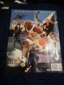 2001-02 Washington WizardsYearbook (Jordan) near mint condition (see scan)
