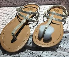 VS Taupe Faux Snakeskin  T Strap Sandals Size 5B