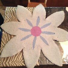 "Cottage Decor - 34"" Daisy Blue Flower Shaped Area Wool Hooked Rug Bath Kitchen"